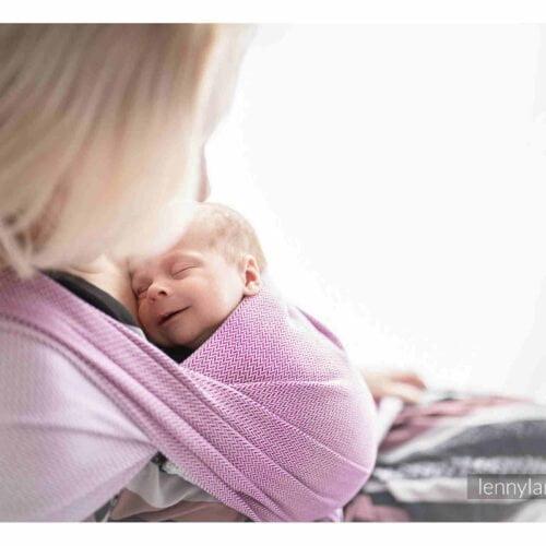 LennyLamb Chusta dla dzieci z niską wagą urodzeniową (chusta wcześniacza) - MAŁA JODEŁKA PURPUROWA